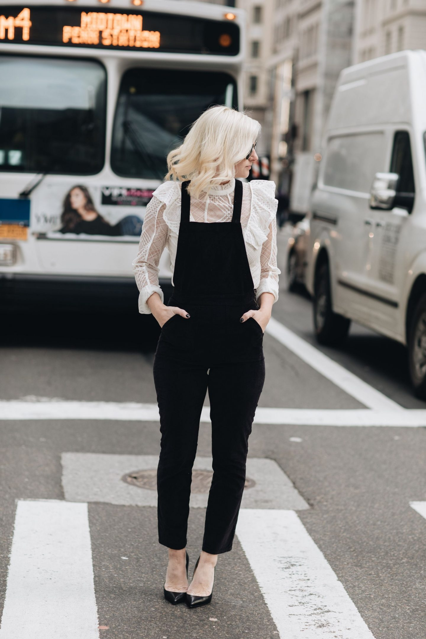 how to wear women overalls, madewell overalls, NYFW, NYC, nyc street style. #nyfw, #5thavenue